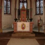 Blick in den Chor mit Altar