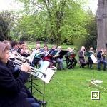 Chorleiter Böhler dirigiert