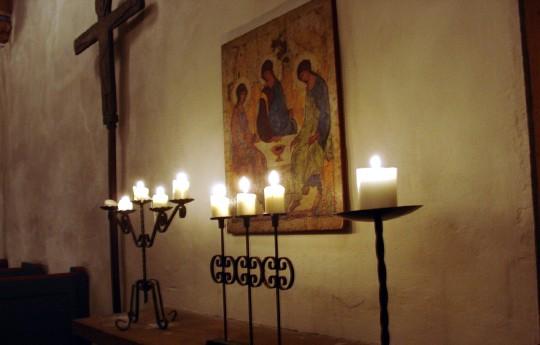 St. Jost im Advent (Foto: Jörg Rustmeier)