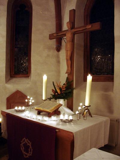 St. Jost im Advent (Foto Jörg Rustmeier)